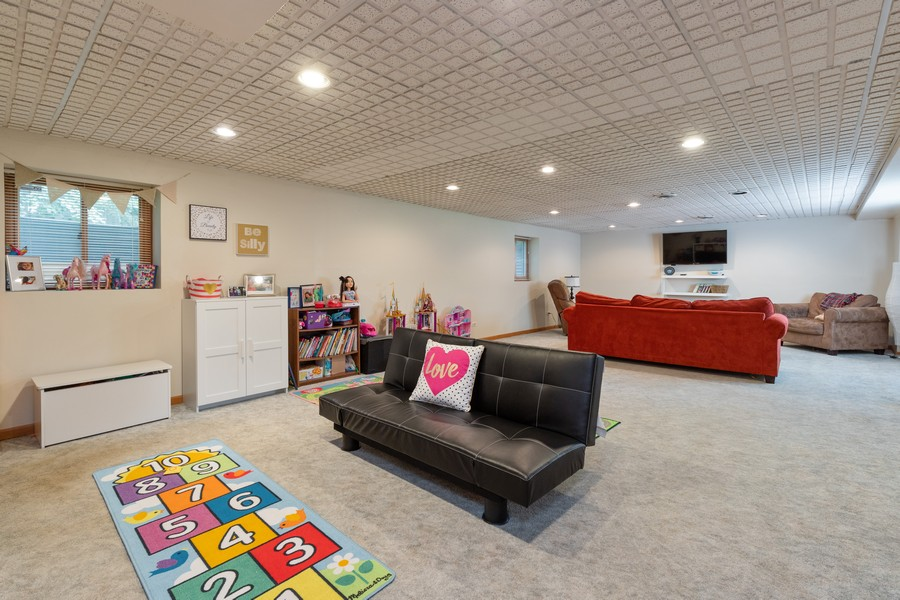Real Estate Photography - 11357 W Leland, Beach Park, IL, 60099 - Recreational Room