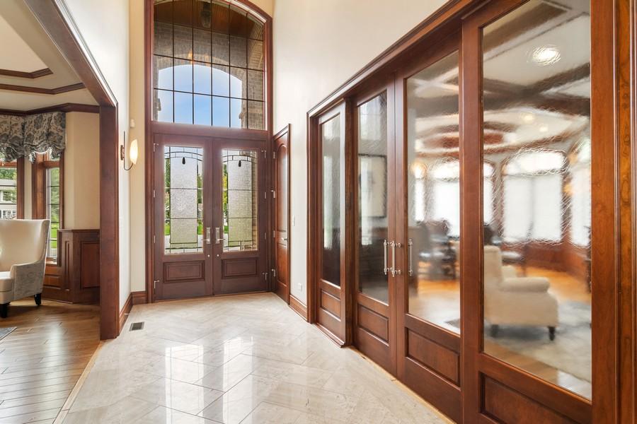 Real Estate Photography - 1335 Calcutta Ln, Naperville, IL, 60563 - Foyer