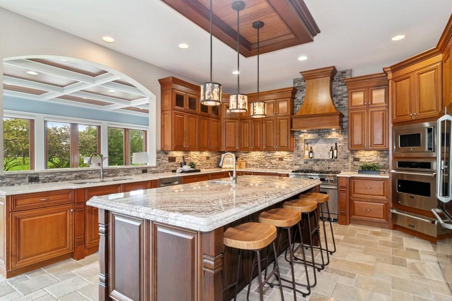 Real Estate Photography - 1335 Calcutta Ln, Naperville, IL, 60563 - Kitchen