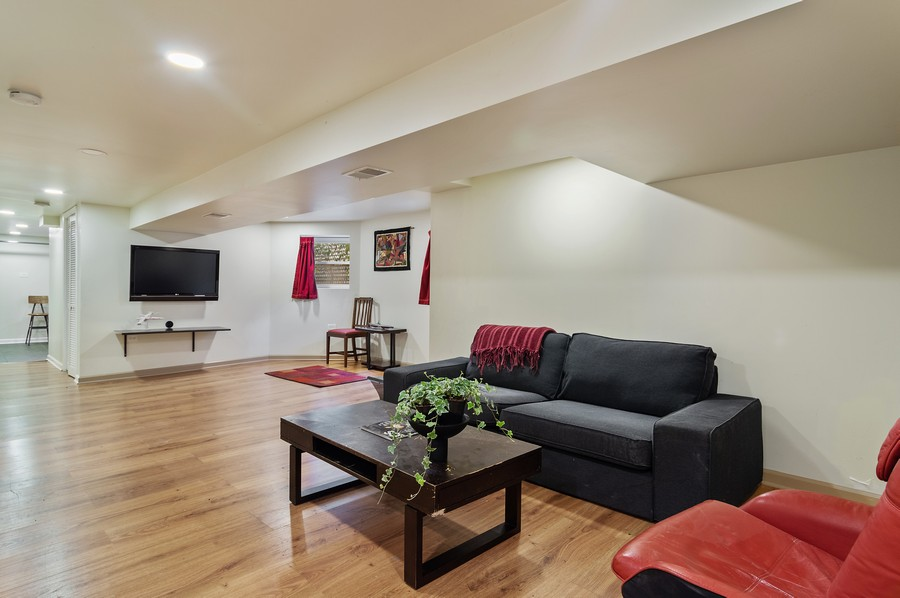 Real Estate Photography - 5029 N Sawyer Ave, Chicago, IL, 60625 - Family Room