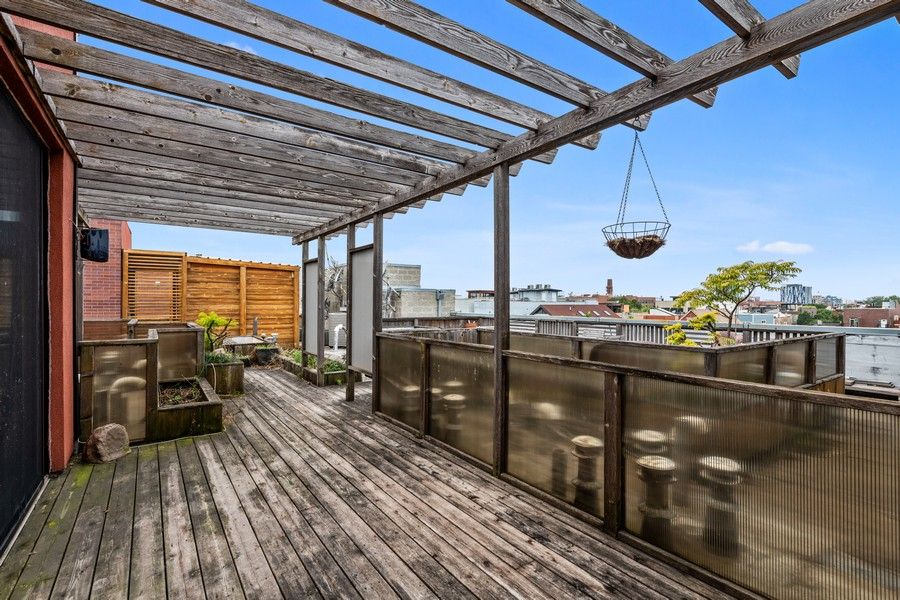 Real Estate Photography - 808 N Greenview, Unit 4C, Chicago, IL, 60642 - Roof Deck