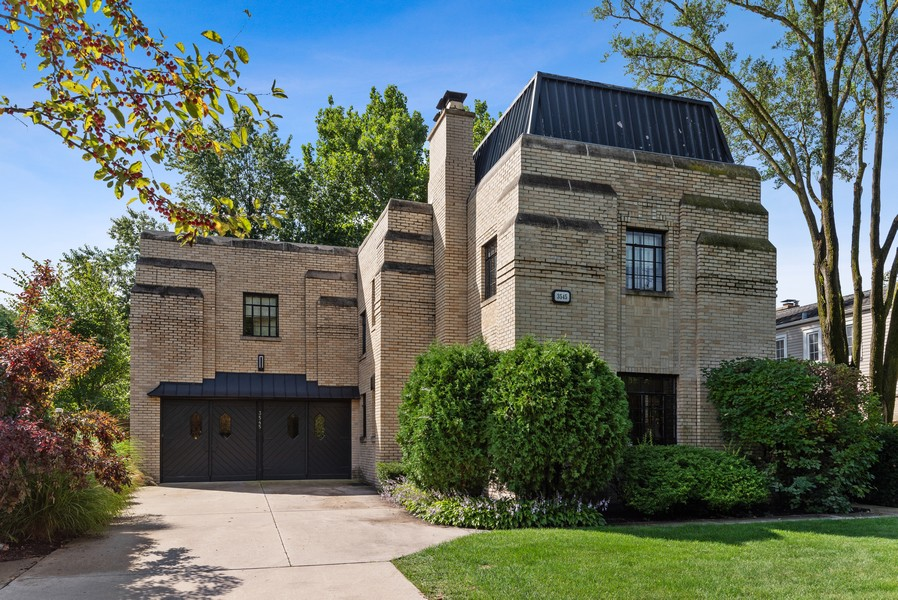 Real Estate Photography - 3545 Golf Rd, Evanston, IL, 60203 - Front View