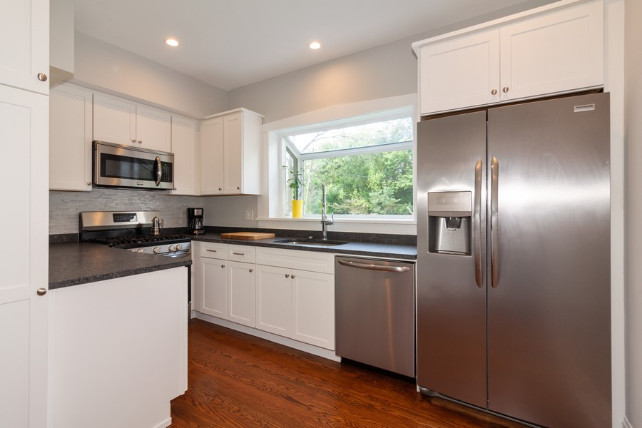 Real Estate Photography - 412 S Riverside Drive, Villa Park, IL, 60181 - Kitchen