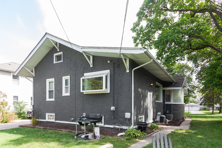 Real Estate Photography - 412 S Riverside Drive, Villa Park, IL, 60181 - Exterior View