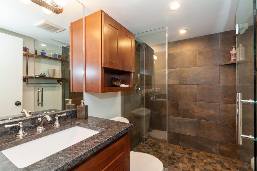 Real Estate Photography - 412 S Riverside Drive, Villa Park, IL, 60181 - 2nd Bathroom
