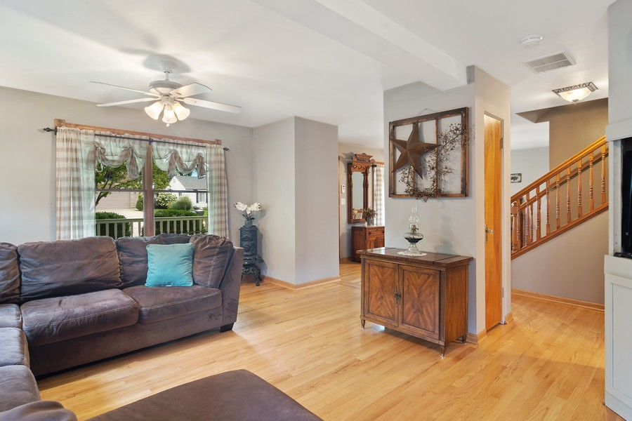 Real Estate Photography - 310 N Owen Street, Mount Prospect, IL, 60056 - Great Room