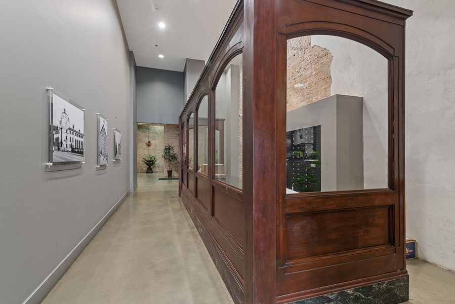 Real Estate Photography - 2303 S Michian, Chicago, IL, 60616 - Lobby