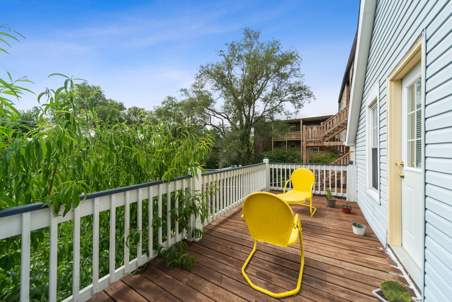 Real Estate Photography - 313 Harrison, Oak Park, IL, 60304 - Deck
