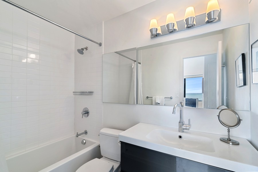 Real Estate Photography - 3430 N Lake Shore Drive, 16H, chicago, IL, 60657 - Master Bathroom