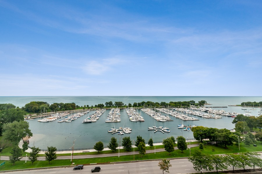 Real Estate Photography - 3430 N Lake Shore Drive, 16H, chicago, IL, 60657 - View