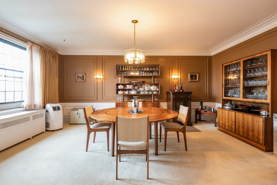 Real Estate Photography - 6901 S Oglesby Avenue, Unit 7A, Chicago, IL, 60649 - Dining Room