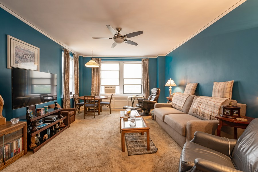 Real Estate Photography - 6901 S Oglesby Avenue, Unit 7A, Chicago, IL, 60649 - Family Room