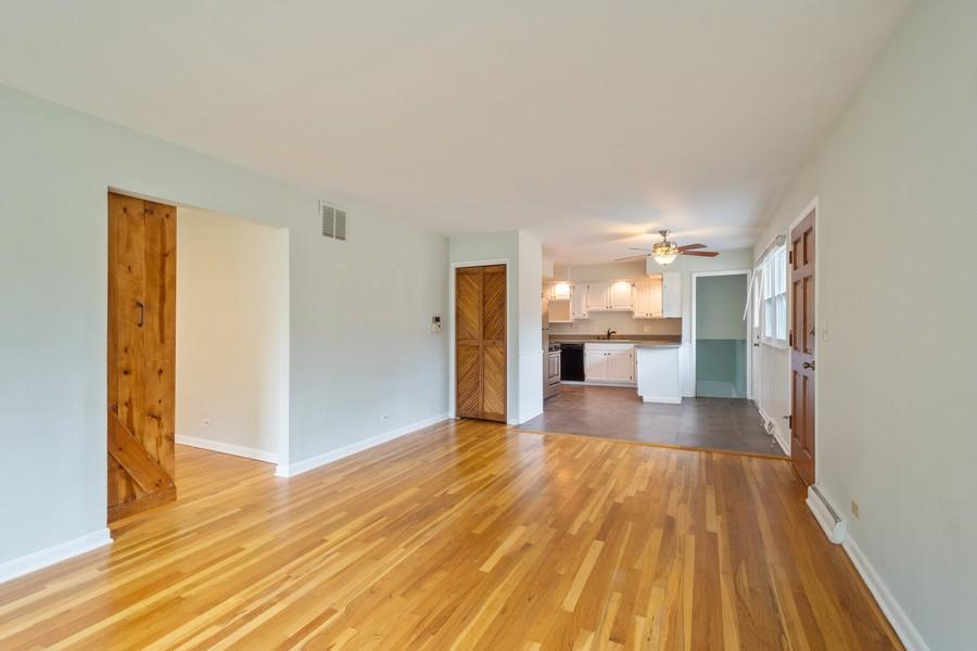 Real Estate Photography - 1326 S Dunton, Arlington Heights, IL, 60005 - Living Room