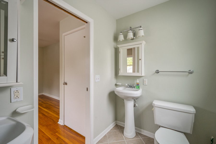 Real Estate Photography - 1326 S Dunton, Arlington Heights, IL, 60005 - Master Bathroom