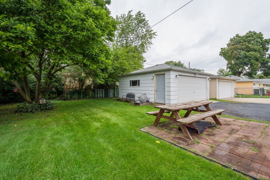 Real Estate Photography - 1326 S Dunton, Arlington Heights, IL, 60005 - Back Yard