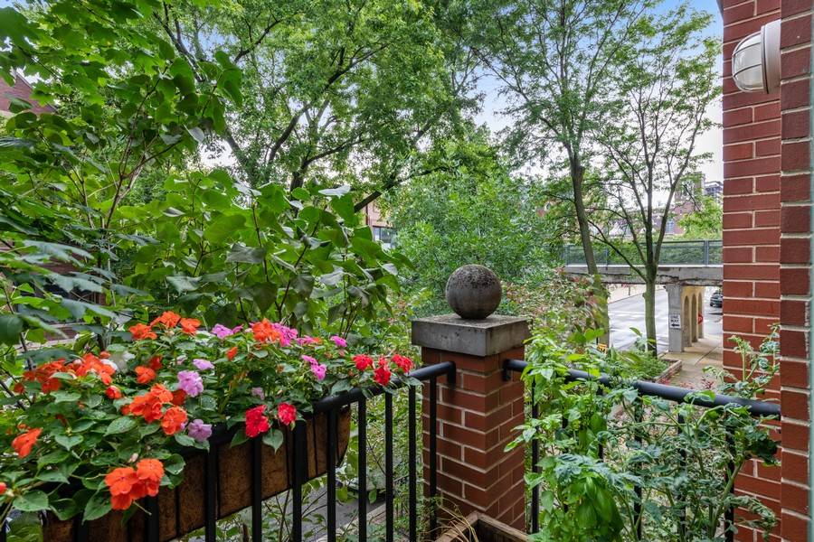 Real Estate Photography - 1755 N Hermitage #A, Chicago, IL, 60622 - Balcony
