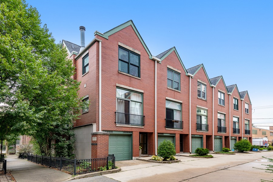 Real Estate Photography - 1755 N Hermitage #A, Chicago, IL, 60622 - Front View