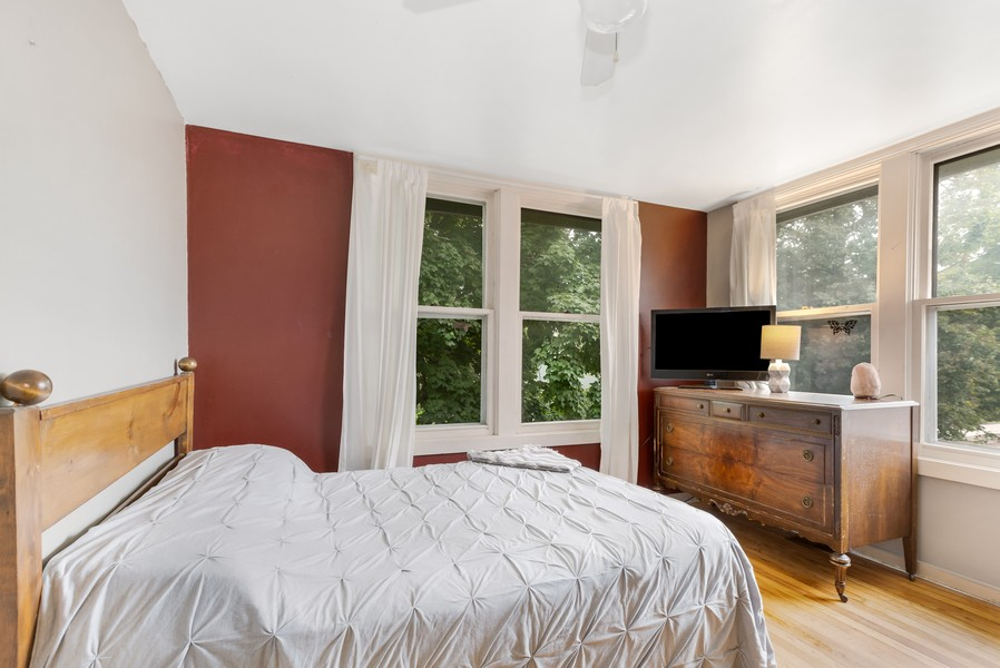Real Estate Photography - 1320 Dolo Rosa Vista, Crystal Lake, IL, 60014 - 2nd Bedroom