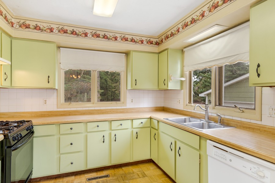 Real Estate Photography - 1320 Dolo Rosa Vista, Crystal Lake, IL, 60014 - Kitchen