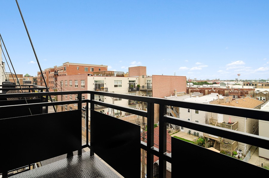 Real Estate Photography - 2317 W. Wolfram #513, Chicago, IL, 60618 - Balcony