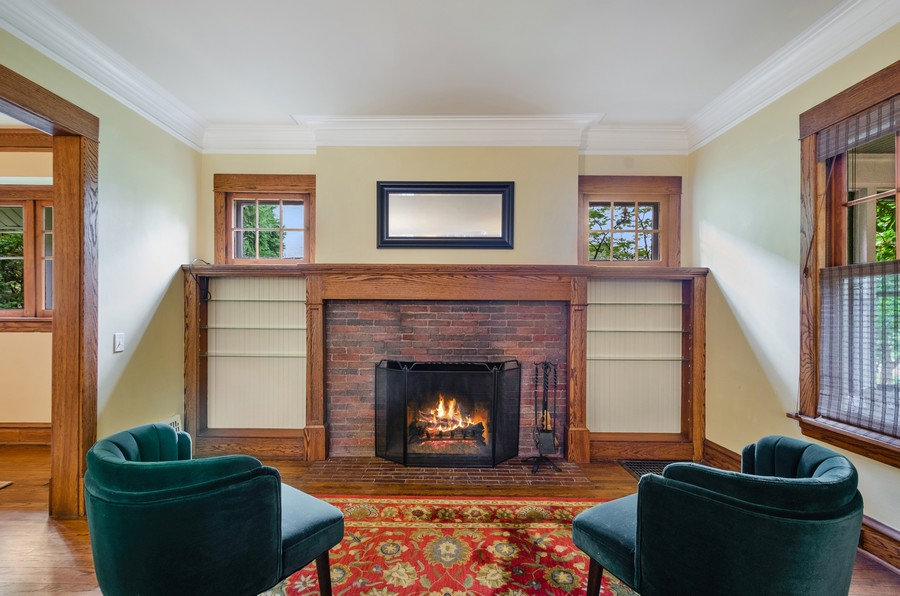 Real Estate Photography - 2749 Woodbine Avenue, Evanston, IL, 60201 - Living Room