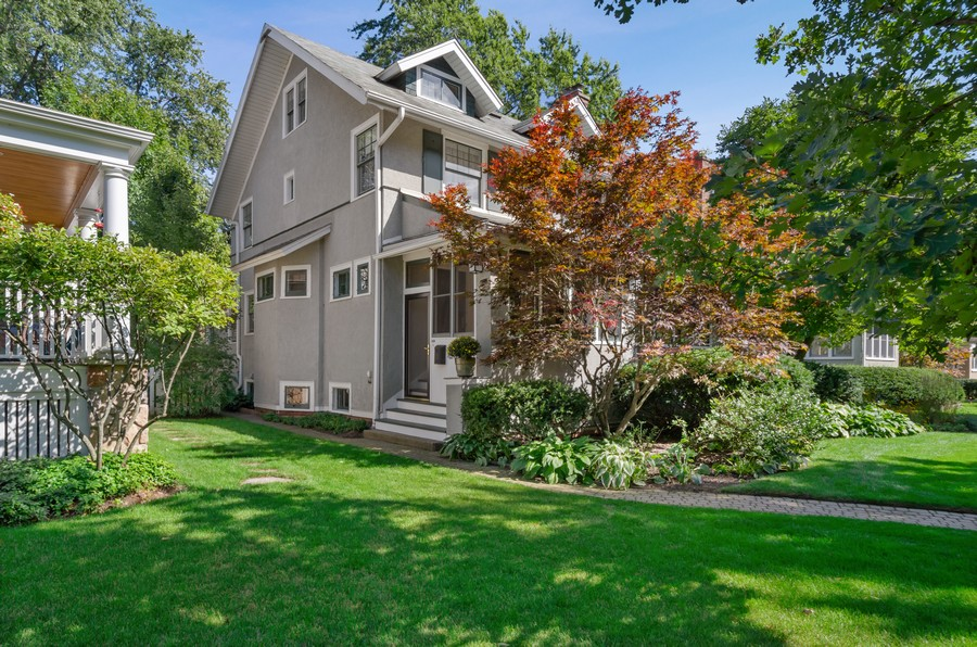 Real Estate Photography - 2749 Woodbine Avenue, Evanston, IL, 60201 - Front View