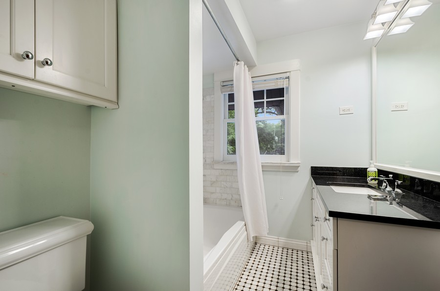 Real Estate Photography - 2749 Woodbine Avenue, Evanston, IL, 60201 - Bathroom