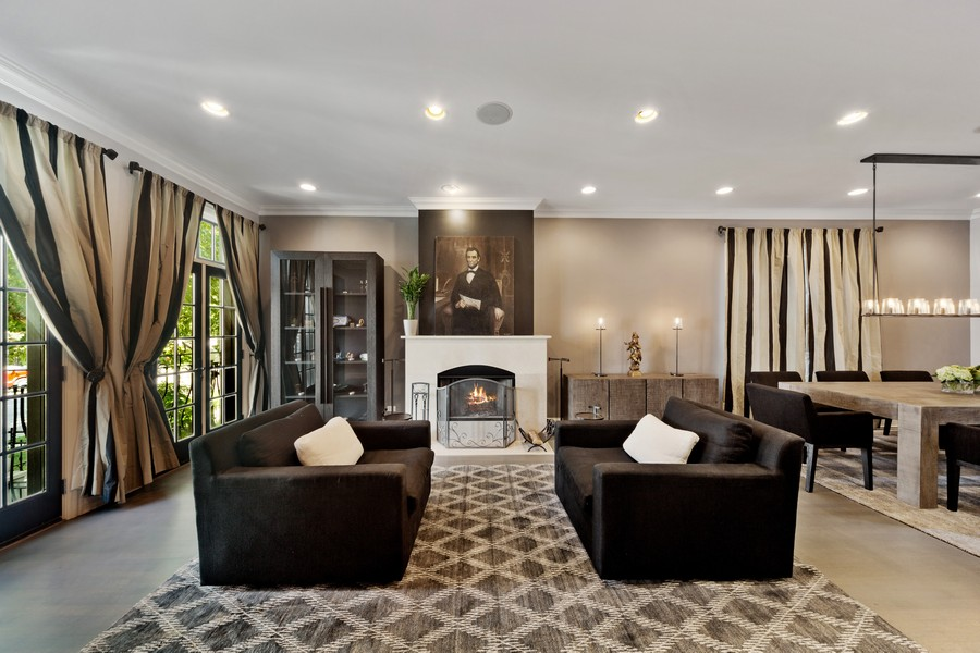 Real Estate Photography - 1951 W Huron St, Chicago, IL, 60622 - Living Room