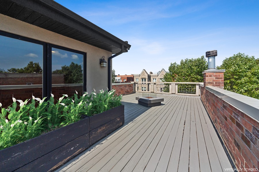 Real Estate Photography - 1951 W Huron St, Chicago, IL, 60622 - Roof Deck