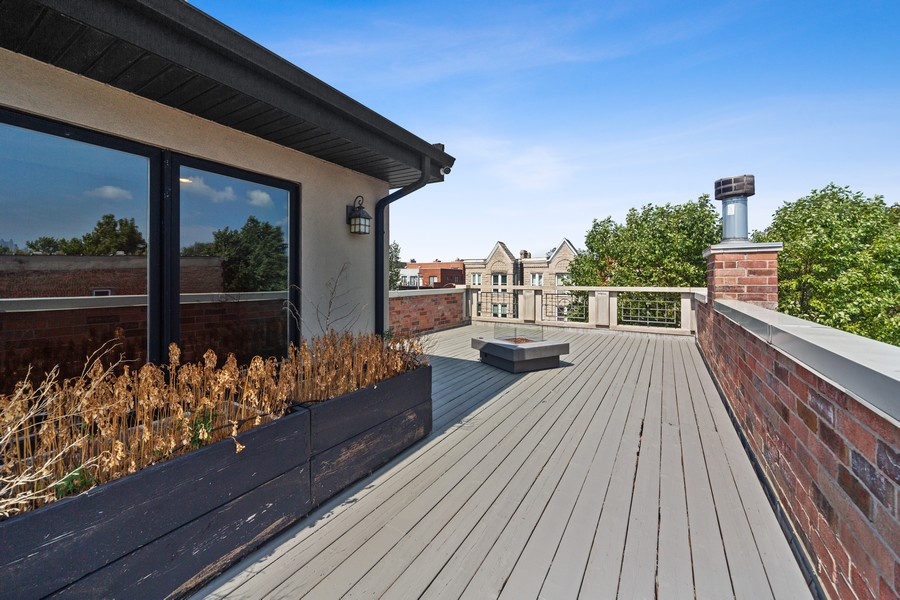 Real Estate Photography - 1951 W Huron St, Chicago, IL, 60622 -