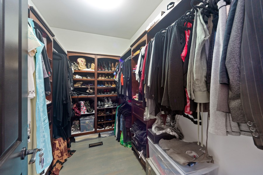 Real Estate Photography - 1951 W Huron St, Chicago, IL, 60622 - Master Bedroom Closet