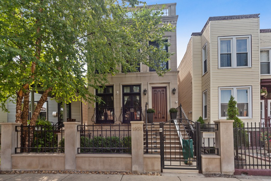 Real Estate Photography - 1951 W Huron St, Chicago, IL, 60622 - Front View
