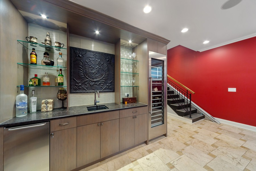 Real Estate Photography - 1951 W Huron St, Chicago, IL, 60622 - Bar