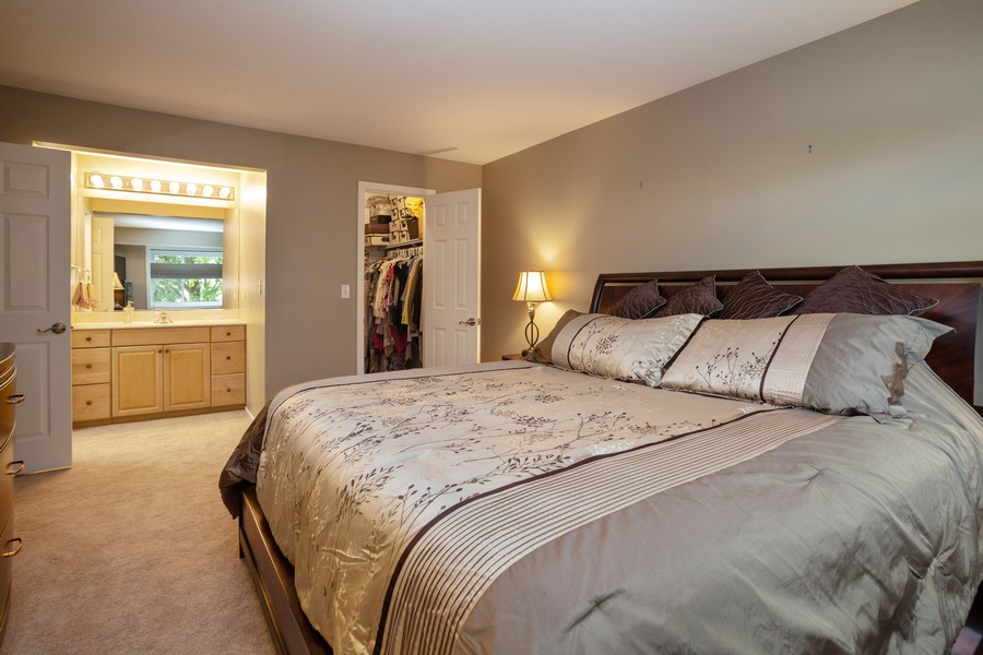 Real Estate Photography - 100 S. Vail Ave, Unit 105, Arlington Heights, IL, 60005 - Master Bedroom