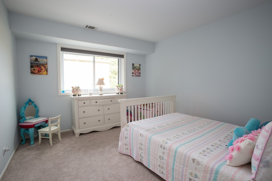 Real Estate Photography - 100 S. Vail Ave, Unit 105, Arlington Heights, IL, 60005 - Bedroom