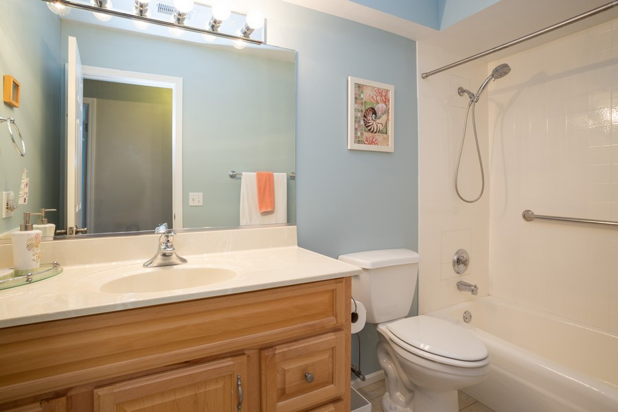 Real Estate Photography - 100 S. Vail Ave, Unit 105, Arlington Heights, IL, 60005 - Bathroom