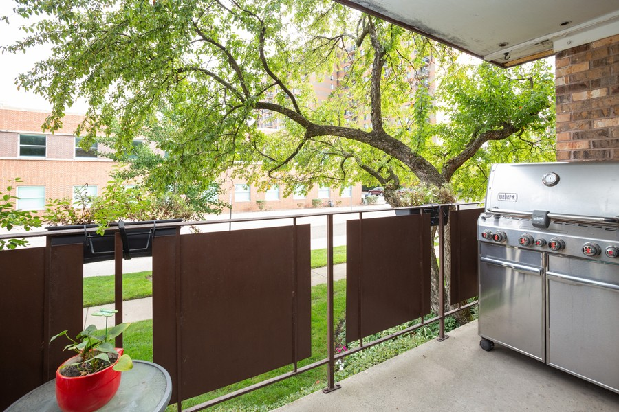Real Estate Photography - 100 S. Vail Ave, Unit 105, Arlington Heights, IL, 60005 - Balcony