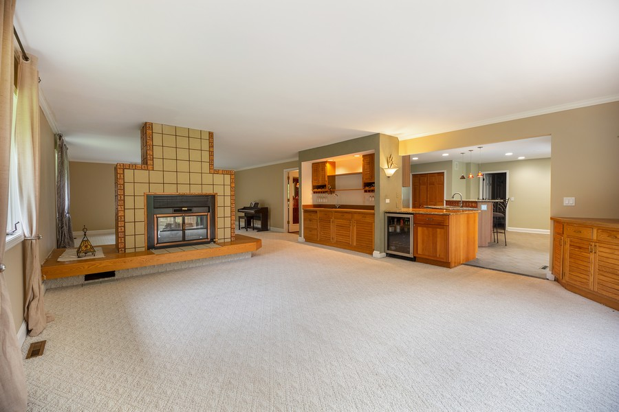 Real Estate Photography - 3 Sara Lane, Barrington, IL, 60010 - Living Room