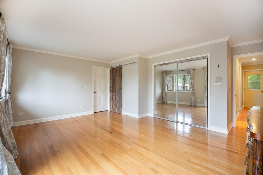 Real Estate Photography - 3 Sara Lane, Barrington, IL, 60010 - Master Bedroom