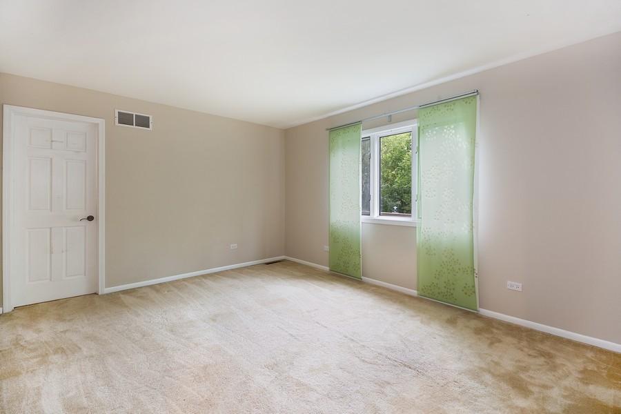 Real Estate Photography - 3 Sara Lane, Barrington, IL, 60010 - 2nd Bedroom