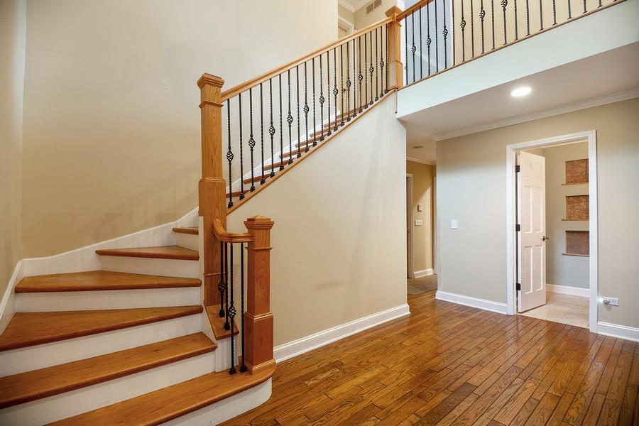 Real Estate Photography - 3 Sara Lane, Barrington, IL, 60010 - Foyer