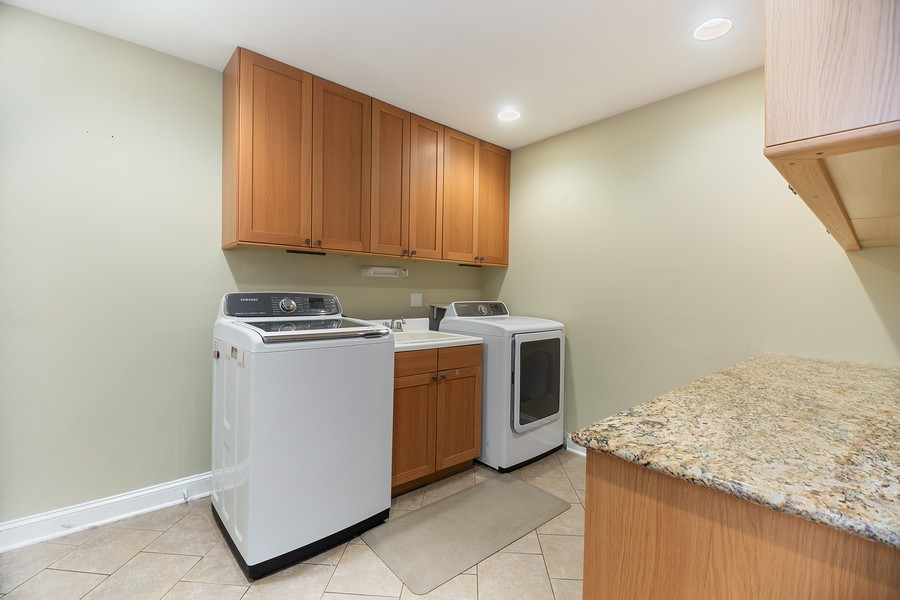 Real Estate Photography - 3 Sara Lane, Barrington, IL, 60010 - Laundry Room