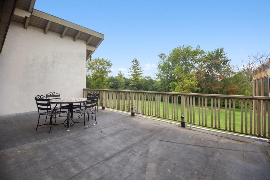 Real Estate Photography - 3 Sara Lane, Barrington, IL, 60010 - Patio