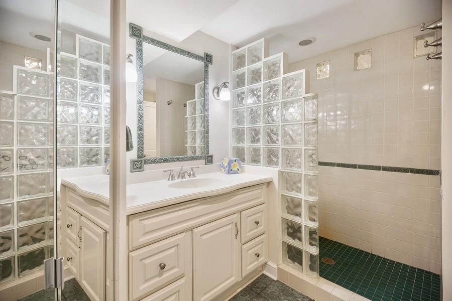 Real Estate Photography - 3 Sara Lane, Barrington, IL, 60010 - 2nd Bathroom