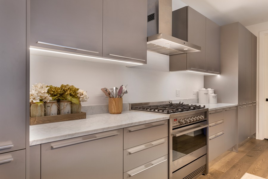 Real Estate Photography - 111 S Peoria St, Chicago, IL, 60607 - Kitchen