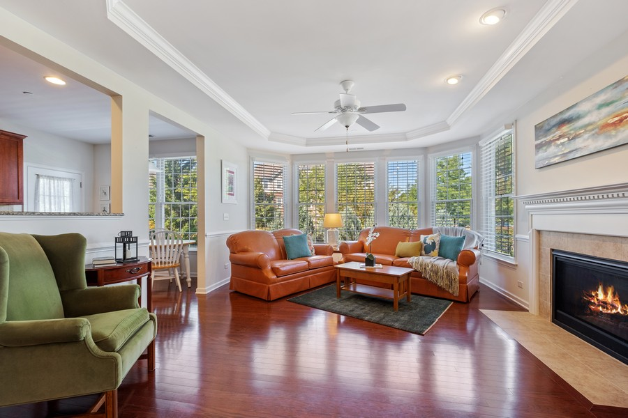 Real Estate Photography - 1698 Patriot Blvd, Glenview, IL, 60026 - Living Room