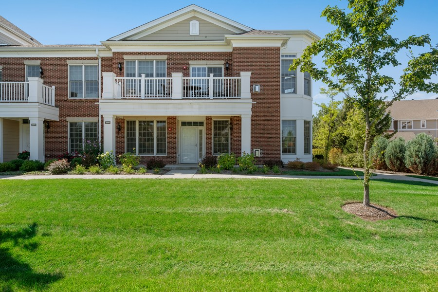 Real Estate Photography - 1698 Patriot Blvd, Glenview, IL, 60026 - Front View