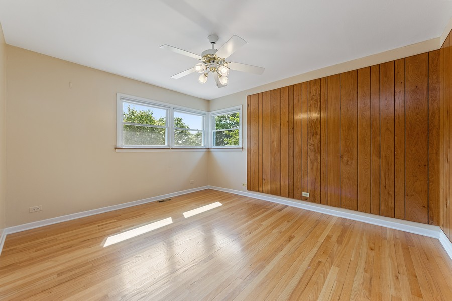 Real Estate Photography - 1912 N Spruce Terrace, Arlington Heights, IL, 60004 - 2nd Bedroom