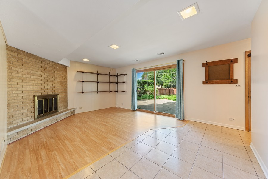Real Estate Photography - 1912 N Spruce Terrace, Arlington Heights, IL, 60004 - Family Room