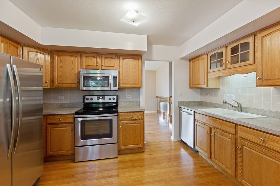 Real Estate Photography - 1912 N Spruce Terrace, Arlington Heights, IL, 60004 - Kitchen